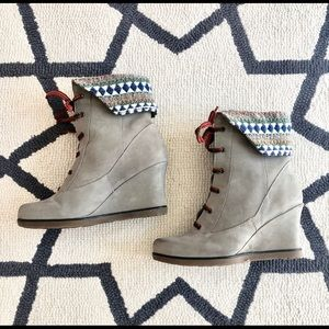 Anthropologie suede and fair aisle boots size 6